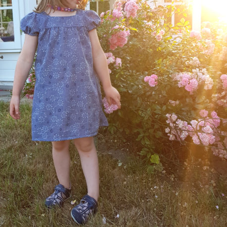 Designbeispiel Schnittmuster Bluse oder Kleid Areskia